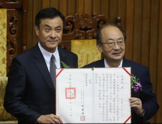 DPP's Su Jia-chyuan ascends the throne of Legislative Speaker