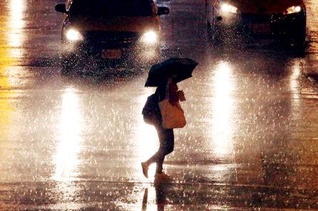 5 dead as Typhoon Soudelor batters Taiwan