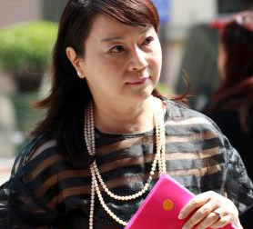 Talk show host ordered to pay Gou NT$2 million