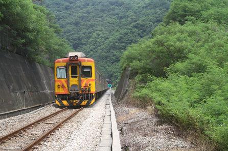 台鐵南迴線、東琉線交通船仍停駛