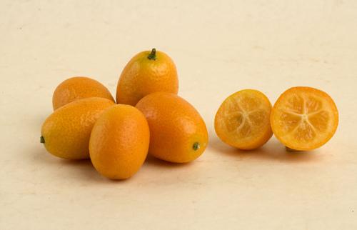 Meet the ecotic citrus varieties that can perk up wintertime meals:kumquat.