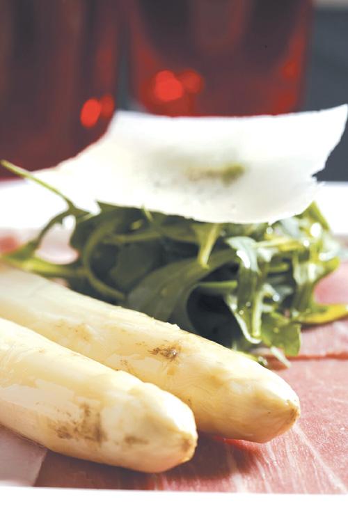 Far Eastern Plaza presents 'White Asparagus' delicacies