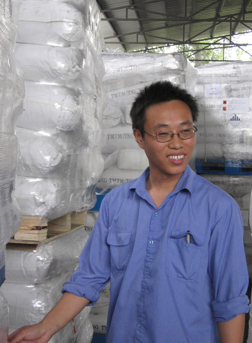 Song Shouwei, who used to work several hundred kilometers from home as a migrant worker on China's East coast, is delighted to have found a job as a ...