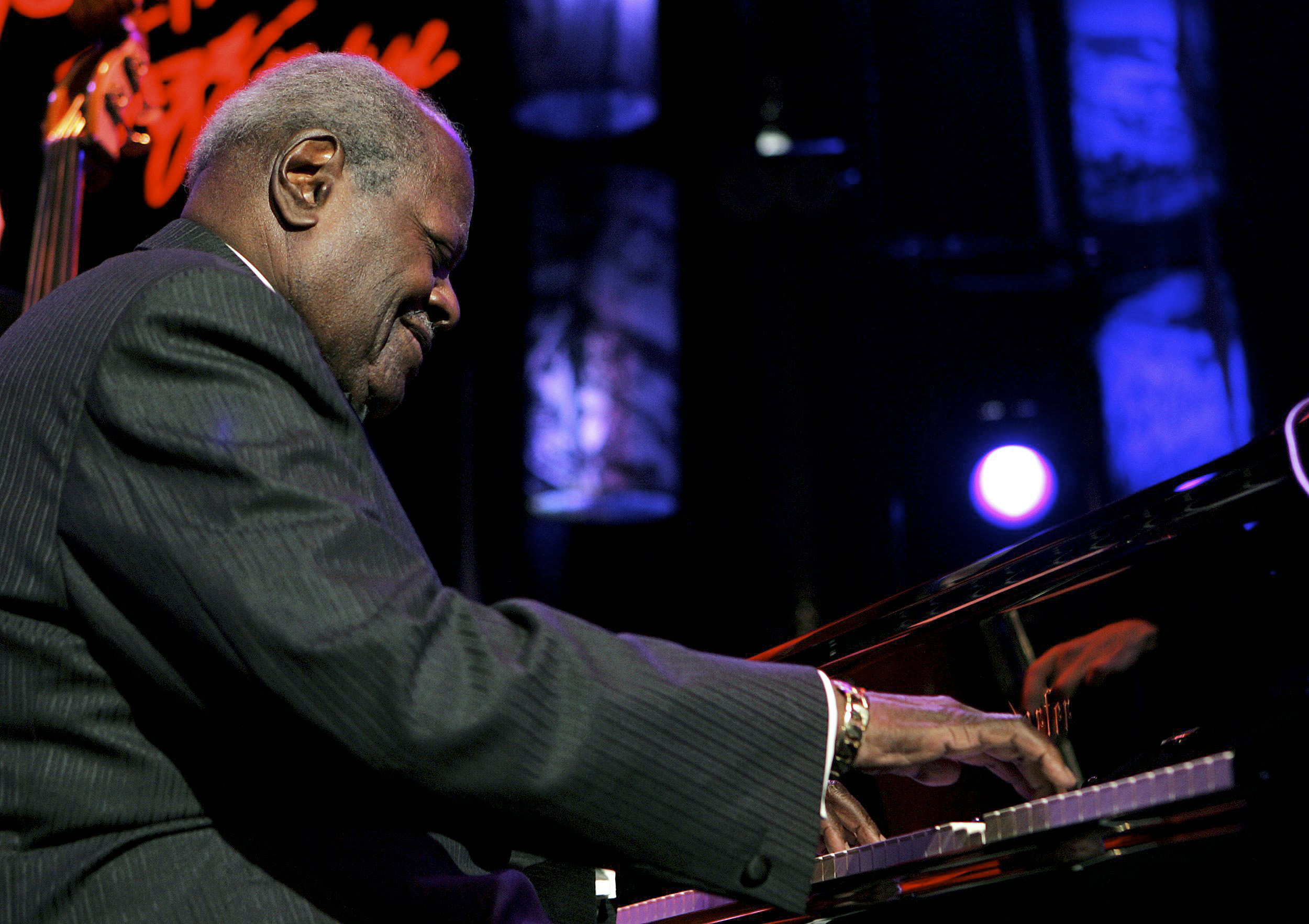Canadian jazz legend Oscar Peterson performs on the Stravinski hall stage during the 39th Montreux Jazz Festival in Montreux, Switzerland on July 16, ...
