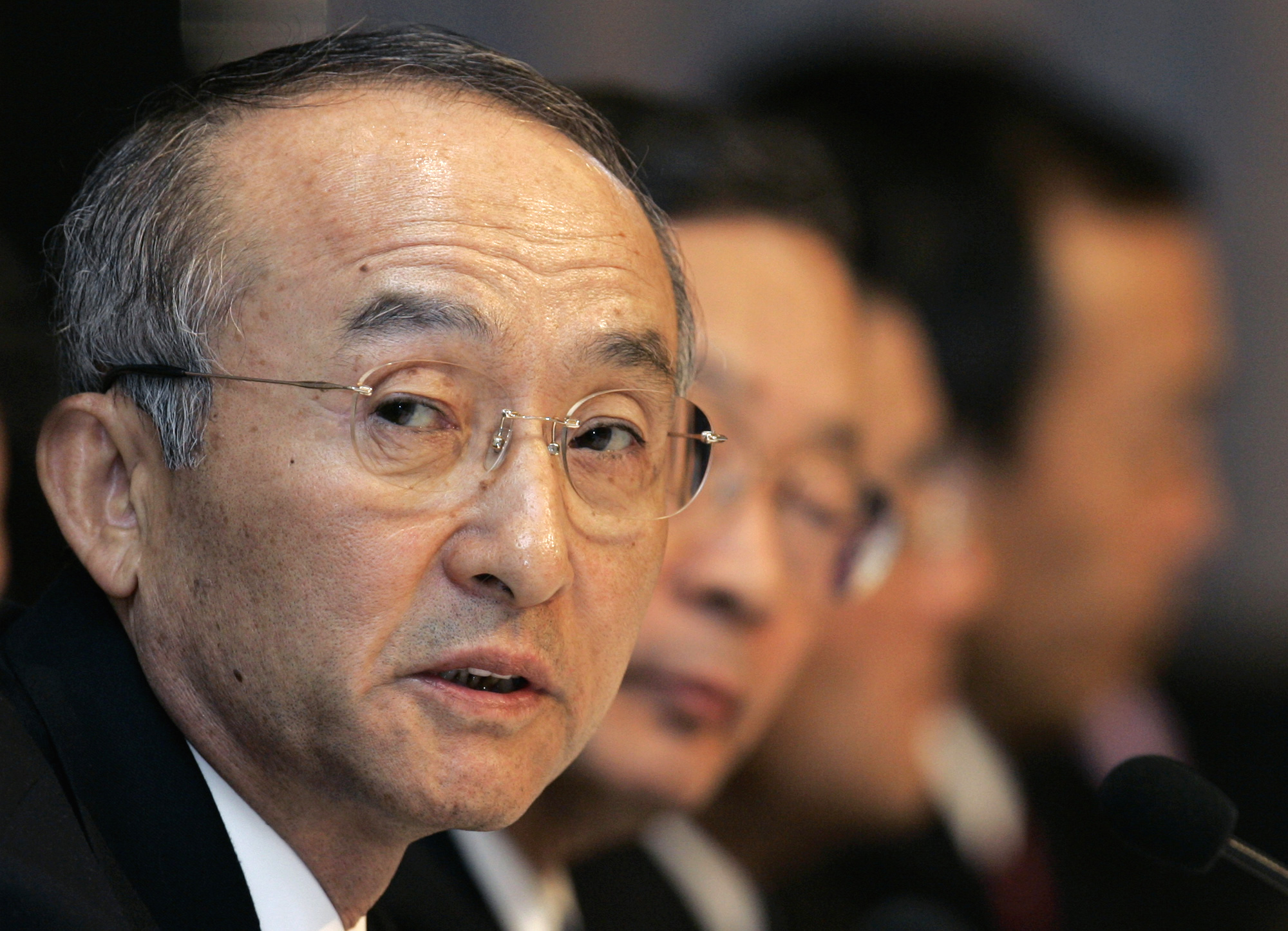 Toyota Motor Corp. President Katsuaki Watanabe speaks to reporters during the annual year-end press conference in Nagoya, central Japan yesterday. Toy...