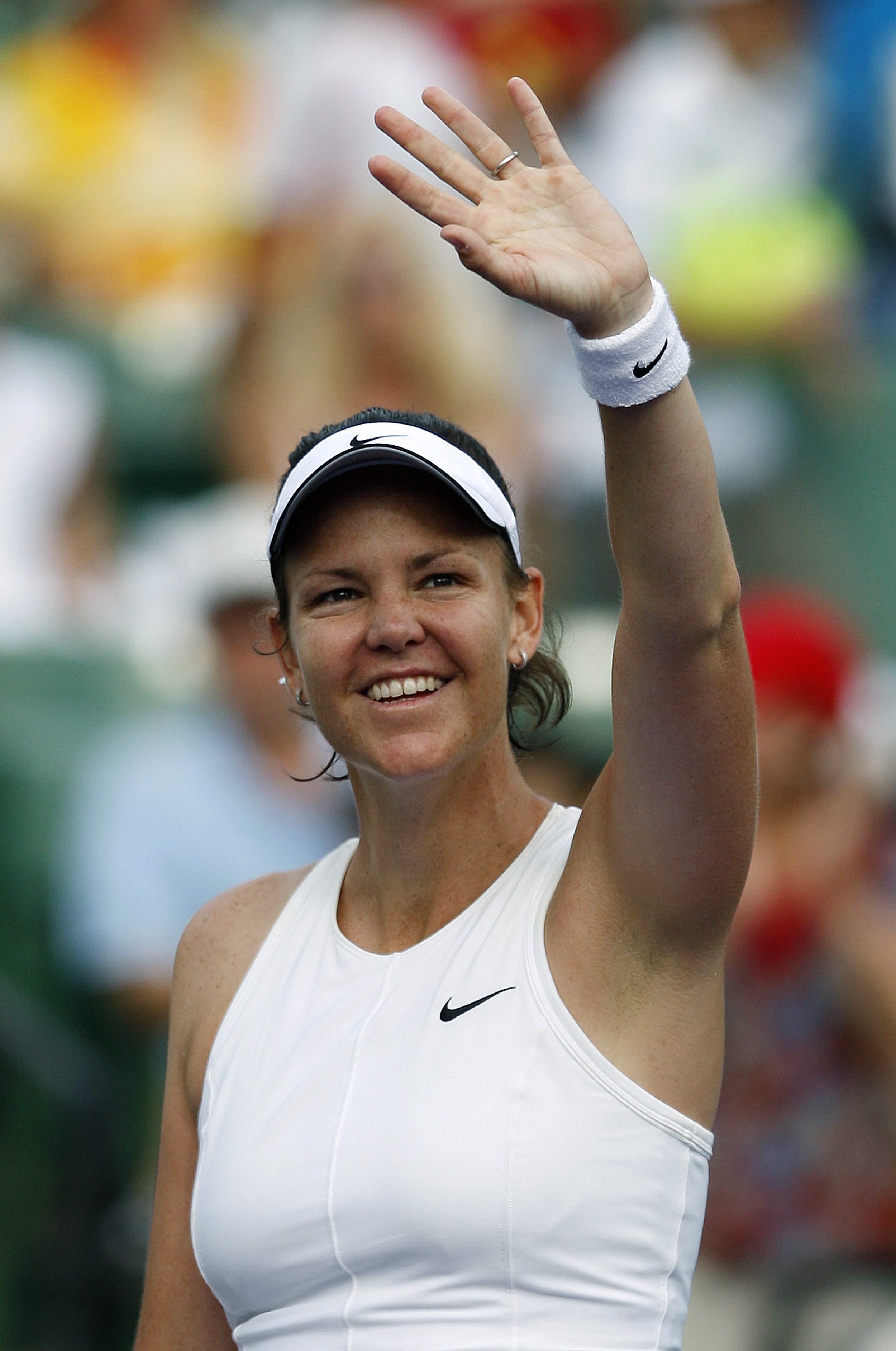Lindsay Davenport waves after winning her match against Ana Ivanovic at the Sony Ericsson Open tennis tournament in Key Biscayne, Florida on Sunday.