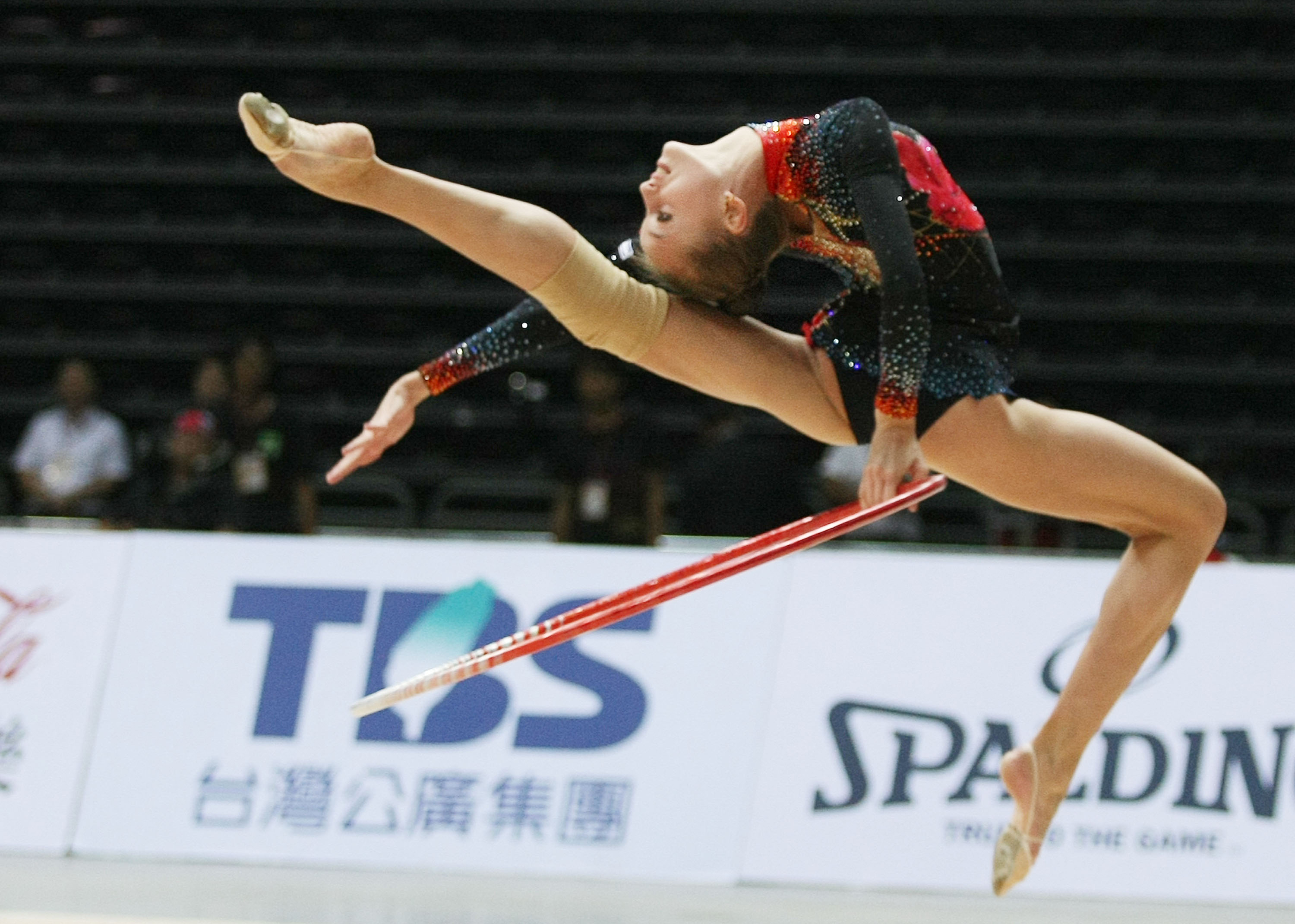 Seventeen-year-old Natalia Pichuzhkina from Russia competes in the rhythmic gymnastics event during the pre-events of the World Games 2009 in Kaohsiun...