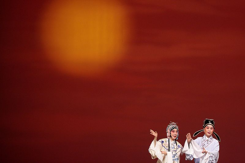 An actor and actress of the Taiwan Kunqu Opera Theater rehearse for their performance.