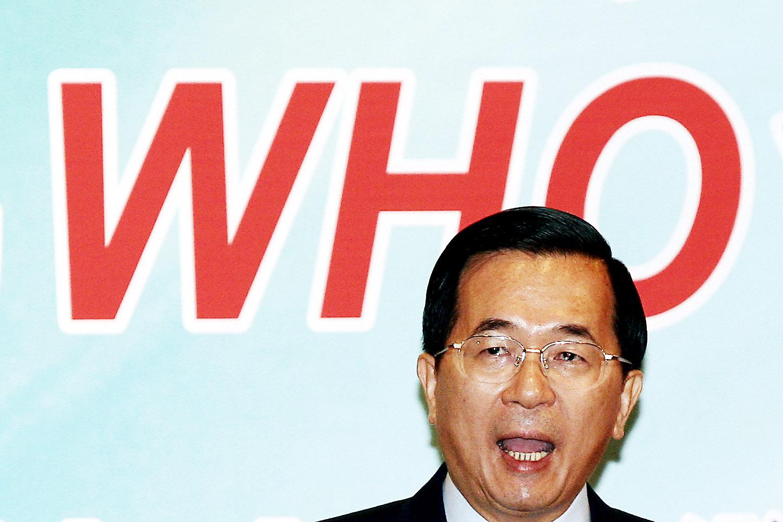 世界衛生組織在四月二十五日寫給陳水扁總統的信中表示台灣不是被聯合國承認的國家,所以不符合申請WHO的資格。陳總統於四月二十九日做出回應,向...