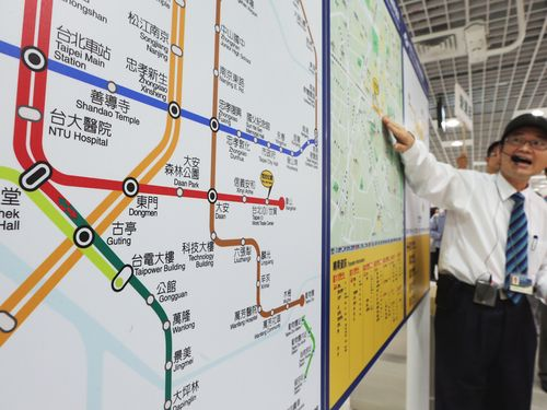 Trains on Taipei's metro will run 42 hours non-stop beginning 6 a.m. Tuesday, its busiest day of the year, when it will carry passengers to and from N...