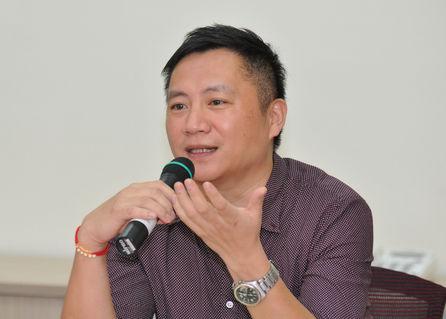 Wang Dan still needs US re-entry permit first: NIA