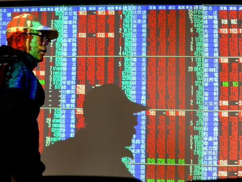 Year-end bourse closing hits 25-year high