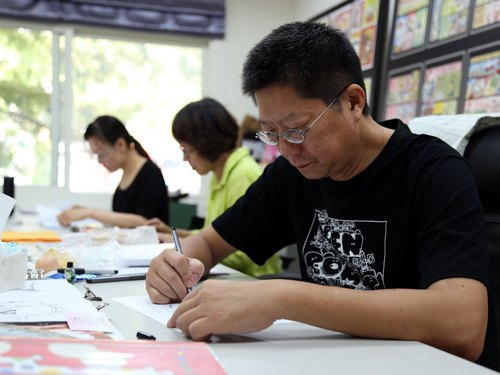 A well-known Taiwanese cartoonist has posted two cartoons online about the French satirical weekly Charlie Hebdo in an apparent show of unity with the...