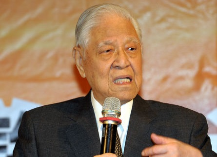 Ex-president envisions changing how Constitution amended