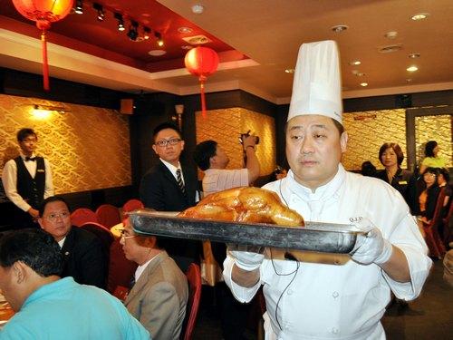 Peking roast duck sweeps into Taiwan