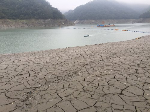 Water level in Shimen Reservoir reaches new low amid drought