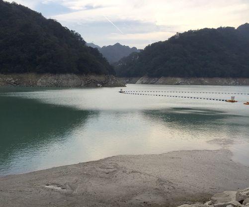 Saving water through the period of water shortage