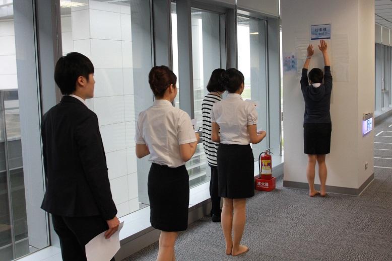 華航 2015 年首波空服招募 新鮮人搶進