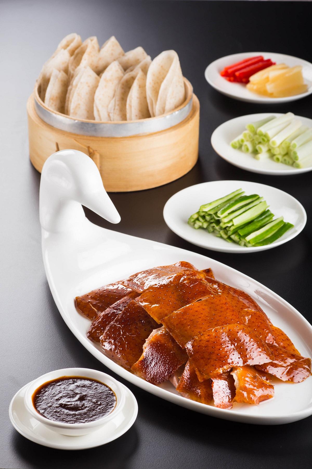 Silks Palace recreates Qing Dynasty feast