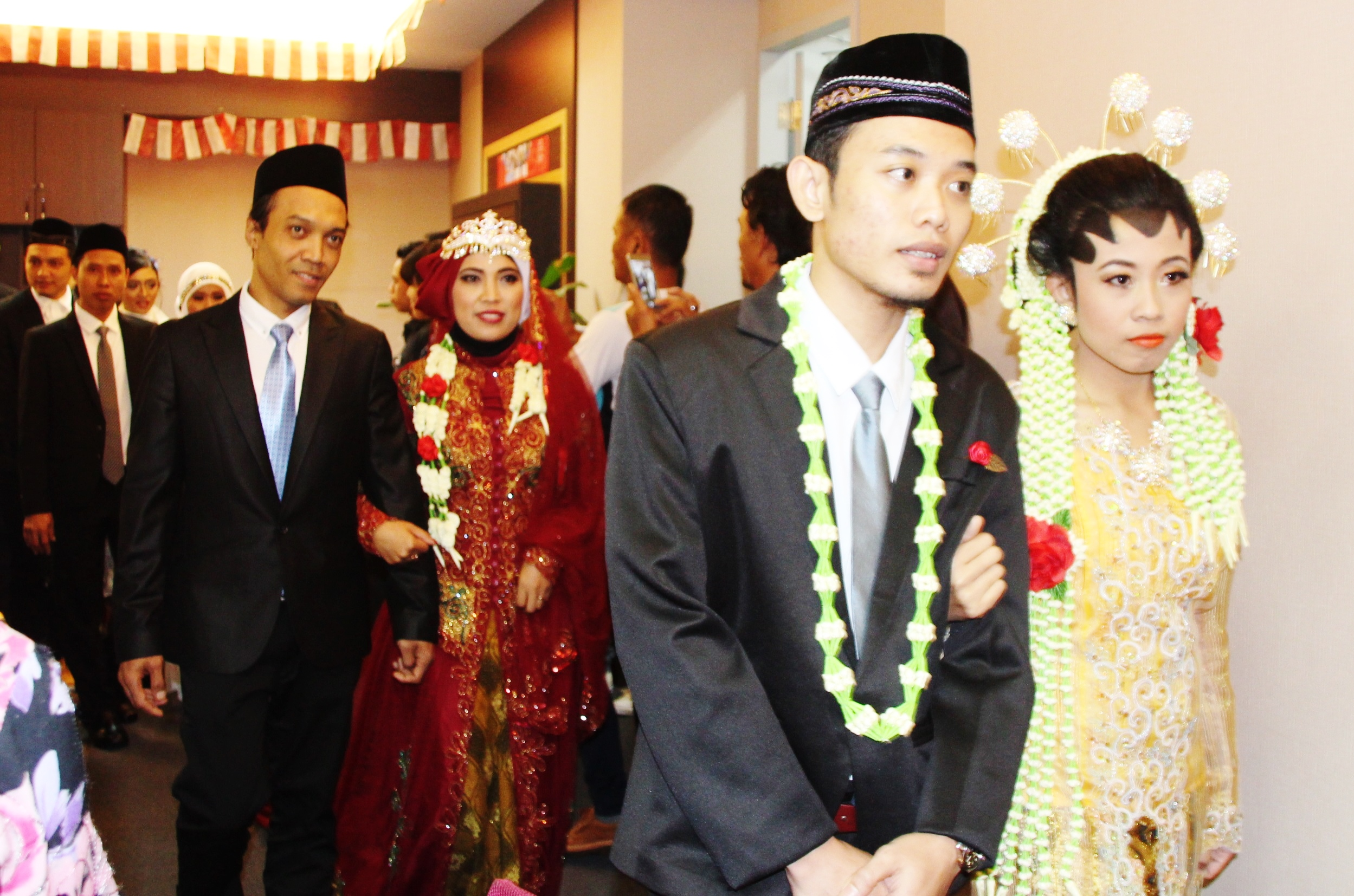 IETO hosts emotional event with mass wedding for Indonesian expats