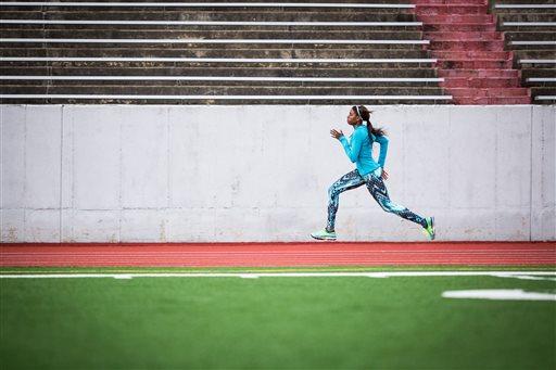 跑步是很多人喜歡的簡便運動,但跑步機與戶外跑步到底哪種比較有效呢?