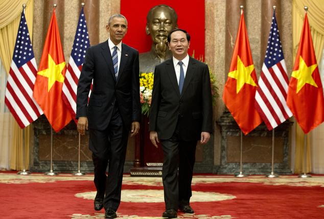歐巴馬首度訪越 解除32年武器禁運