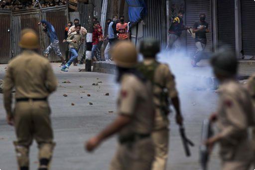 伊斯蘭慶典警民衝突 印度宣布喀什米爾宵禁