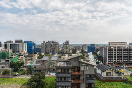 While Taiwan's house prices remain high, they fell 2.95% year-over-year, following 2014's rise of 3.42%. The prices fell 2.4% during Q3 this year, whi...