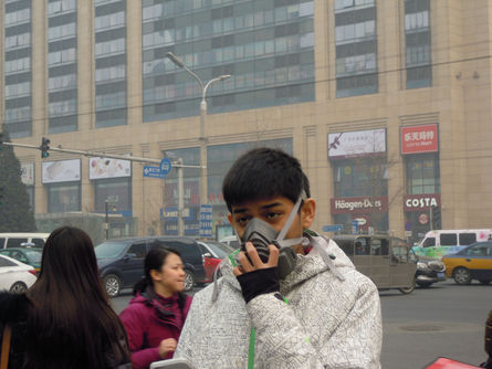 It would take 30 to 50 years for China to fix its air pollution problem, said the environmental expert in China.