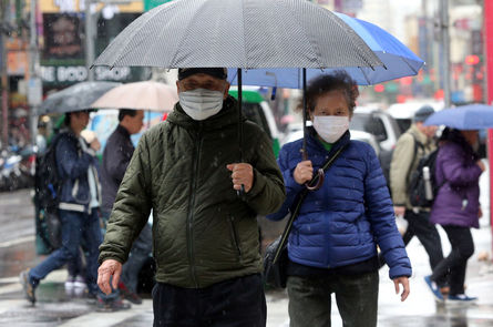 A cold snap is expected to dominate Taiwan starting Friday, a day before the nine-day Lunar New Year holiday, and will last till next Tuesday, said th
