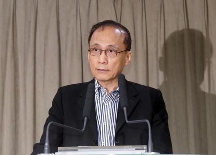 行政院長林全今(30)日召開上任後首次治安會報,他表示,國內治安目前有兩大隱憂,一是毒品,另一是詐欺,將列為治安會報未來重要工作。
