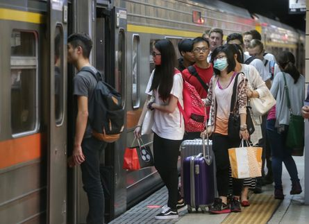High Speed Rail to add 118 more trains for Mid-Autumn Festival