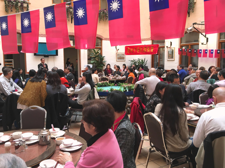 瑞典僑社雙十國慶餐會 氣氛歡欣喜氣