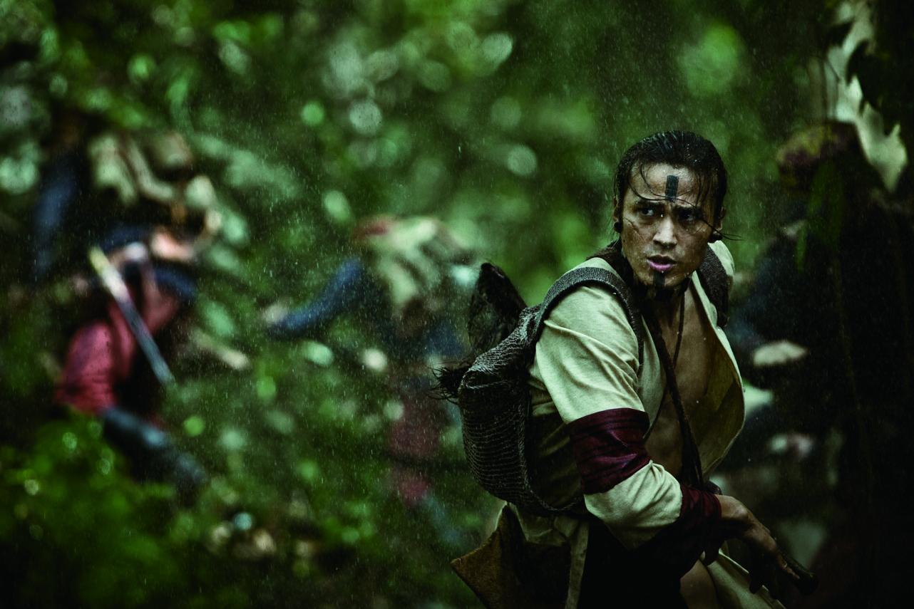 Seediq actor-director Umin Boya stars as Temu Walis, a tribal chief who helped the Japanese army fight Mona Rudao.
