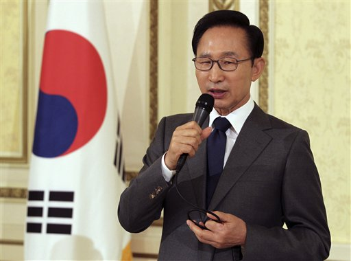 South Korean President Lee Myung-bak speaks to foreign journalists at the presidential house in Seoul, South Korea today.