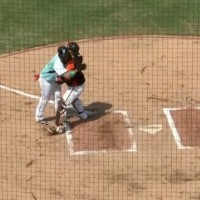 Video shows Taiwanese baseball player accept getting tagged out with Mother's Day hug