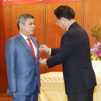 Peruvian Congressman awarded Friendship Medal for supporting Taiwan
