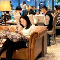 秀泰影城跨足閱讀空間 創新品牌「小書房」