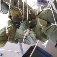 高苑科大帶領東南亞學生 製作香包、體驗包粽樂趣