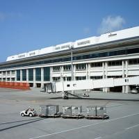 沖繩那霸機場 因停電癱瘓1個小時