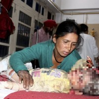 印度北部巴士超載撞山 造成44死近30人輕重傷