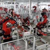 Robots to replace 20 million manufacturing jobs by 2030: Oxford Economics