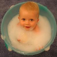 破解迷思 醫:不含防腐劑的沐浴品 恐是寶寶皮膚過敏之元兇