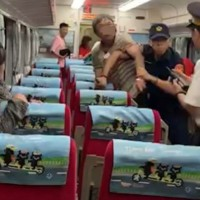 Video shows crazed passenger stab police officer to death on train in SW Taiwan