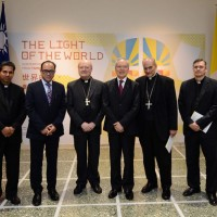 Cardinal gives blessing to art exhibition held at Taiwan embassy in Vatican