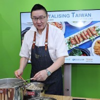 Singaporeans take to heart Taiwan street food