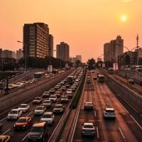 中國新車銷售連續12個月減少 日媒指與美貿易戰難復元