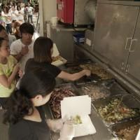 嚐家鄉美食兼抽獎 新竹移工們這個週末過得好開心