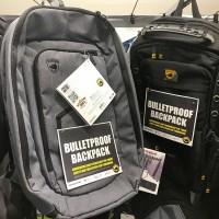 美國槍擊案頻傳 防彈背包熱銷