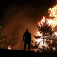 希臘島嶼接連山林大火 500人居民避難 甚至派戰鬥機滅火